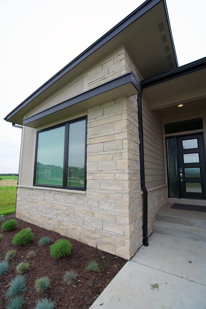 Indiana Limestone Berkshire Veneer