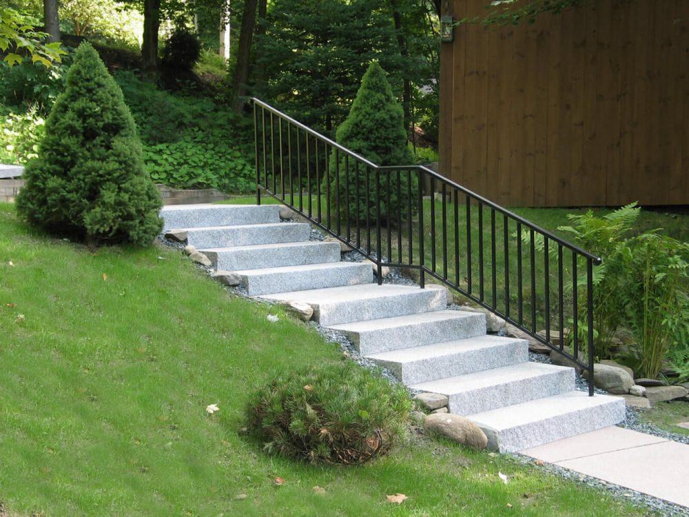 Woodbury Gray granite step, stoop, granite entry, entry steps, staircase
