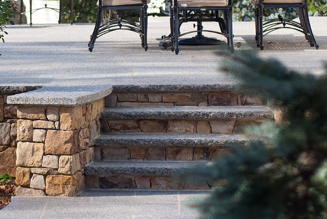 Spacer Caledonia Granite Treads With Natural Stone Veneer Zoom