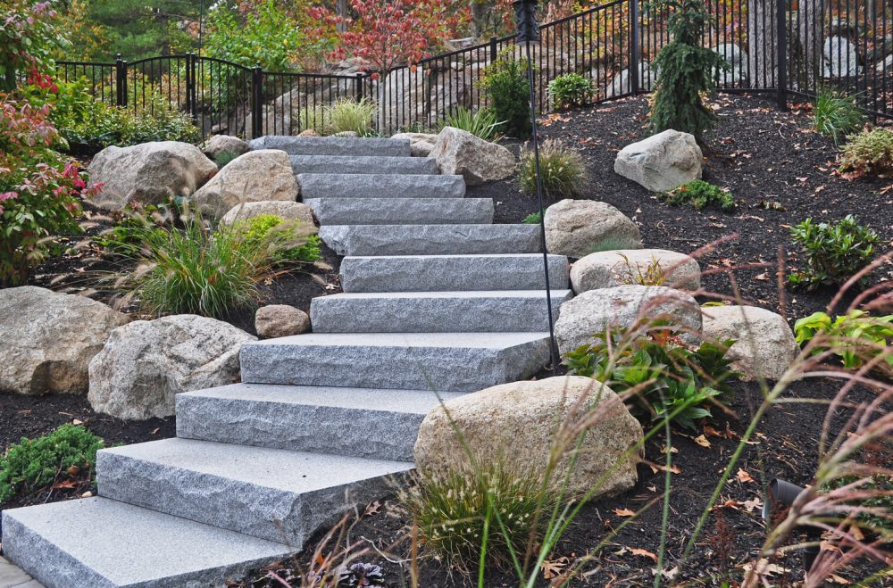 ID: 1187 Spacer Woodbury Gray Granite Step, Stoop, Granite Entry, Entry  Steps, Staircase Zoom